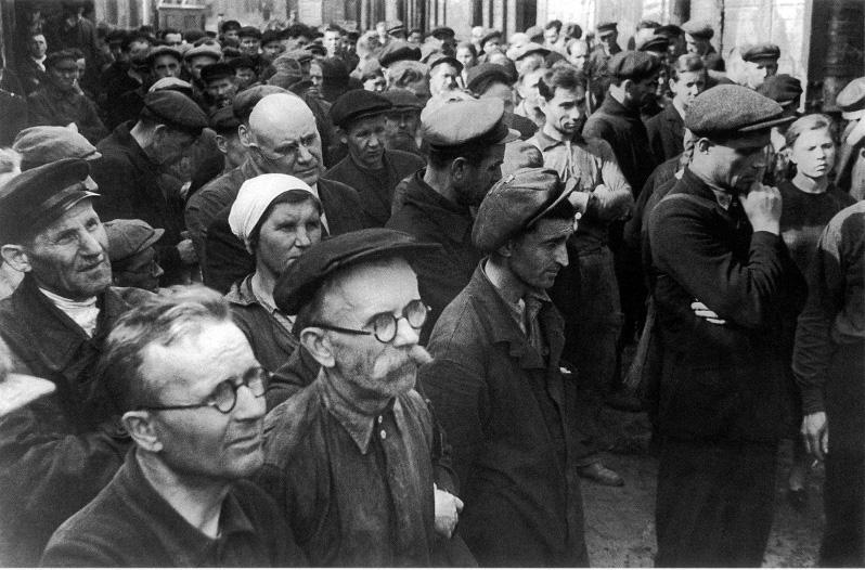 В. Тарасевич Митинг на ленинградском заводе имени Кирова о начале войны июнь 1941